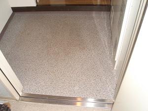 CFシート貼の玄関床