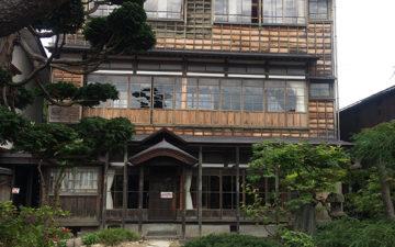 木造3階建ての旧石田理吉家