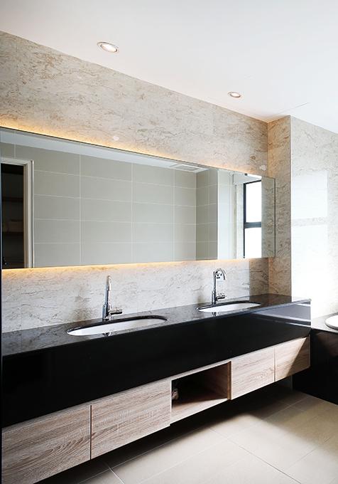 間接照明のある洗面化粧台